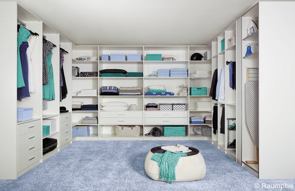 begehbarer kleiderschrank ihr schreiner in. Black Bedroom Furniture Sets. Home Design Ideas